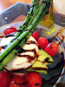 Caprese salad with Asparagus2